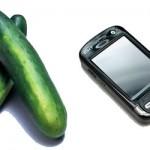 2 pepinos y un teléfono móvil